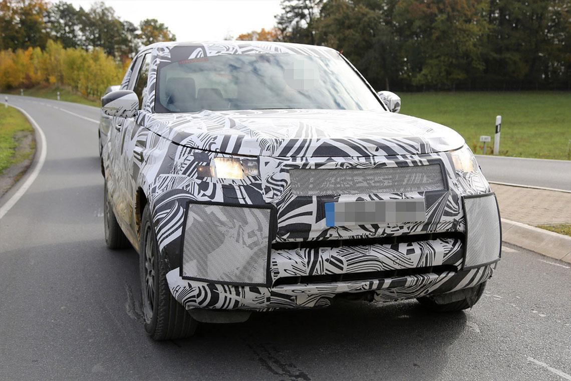 Paris Motor Show 2016 - Land Rover Discovery