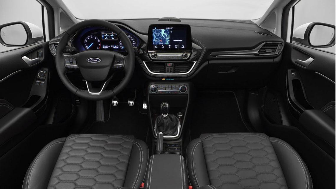 Ford Fiesta 2017 - салон, интерьер