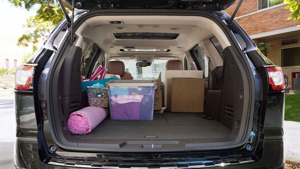 Chevrolet Traverse - багажник